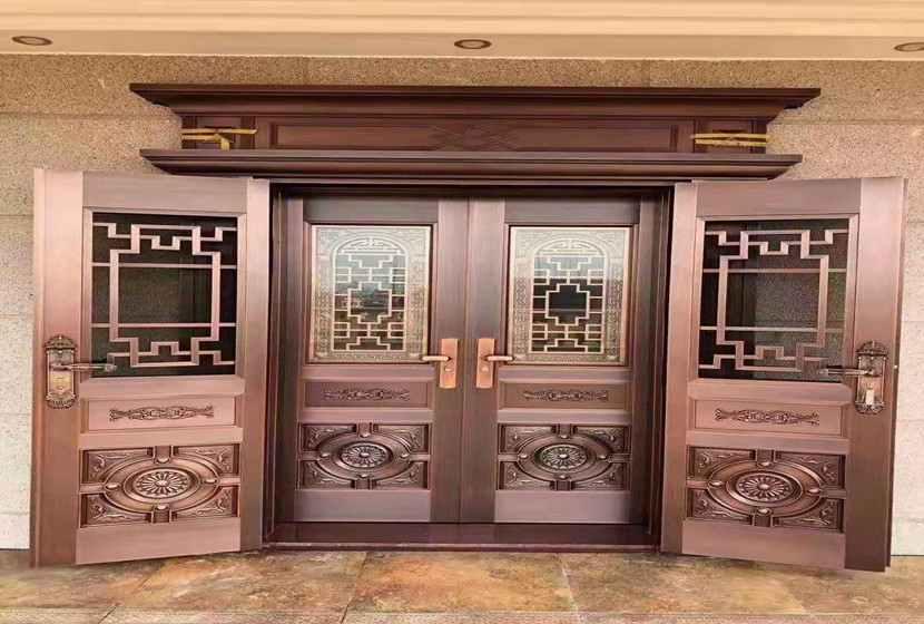 高档次别墅铜大门-复合玻璃拼接别墅铜大门长沙客户安装实图-鑫晨悦门
