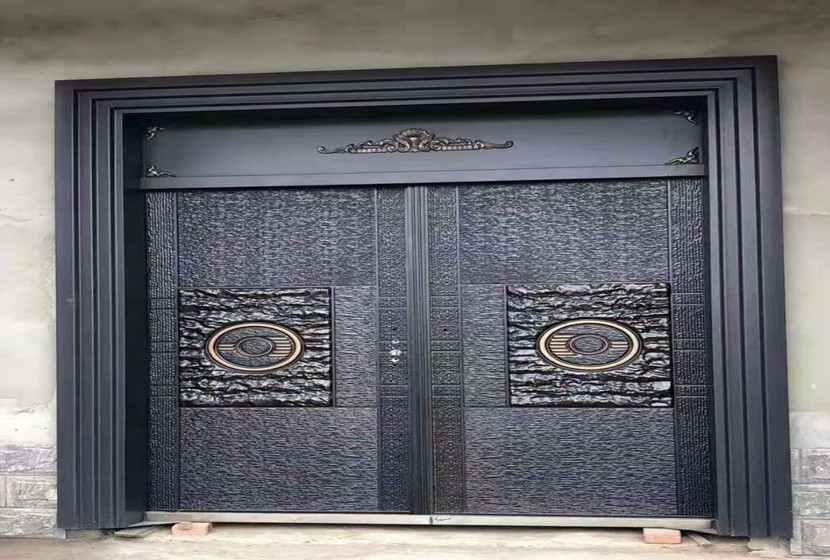德式铸铝门-精雕德式铸铝门福建客户安装实图-鑫晨悦门业